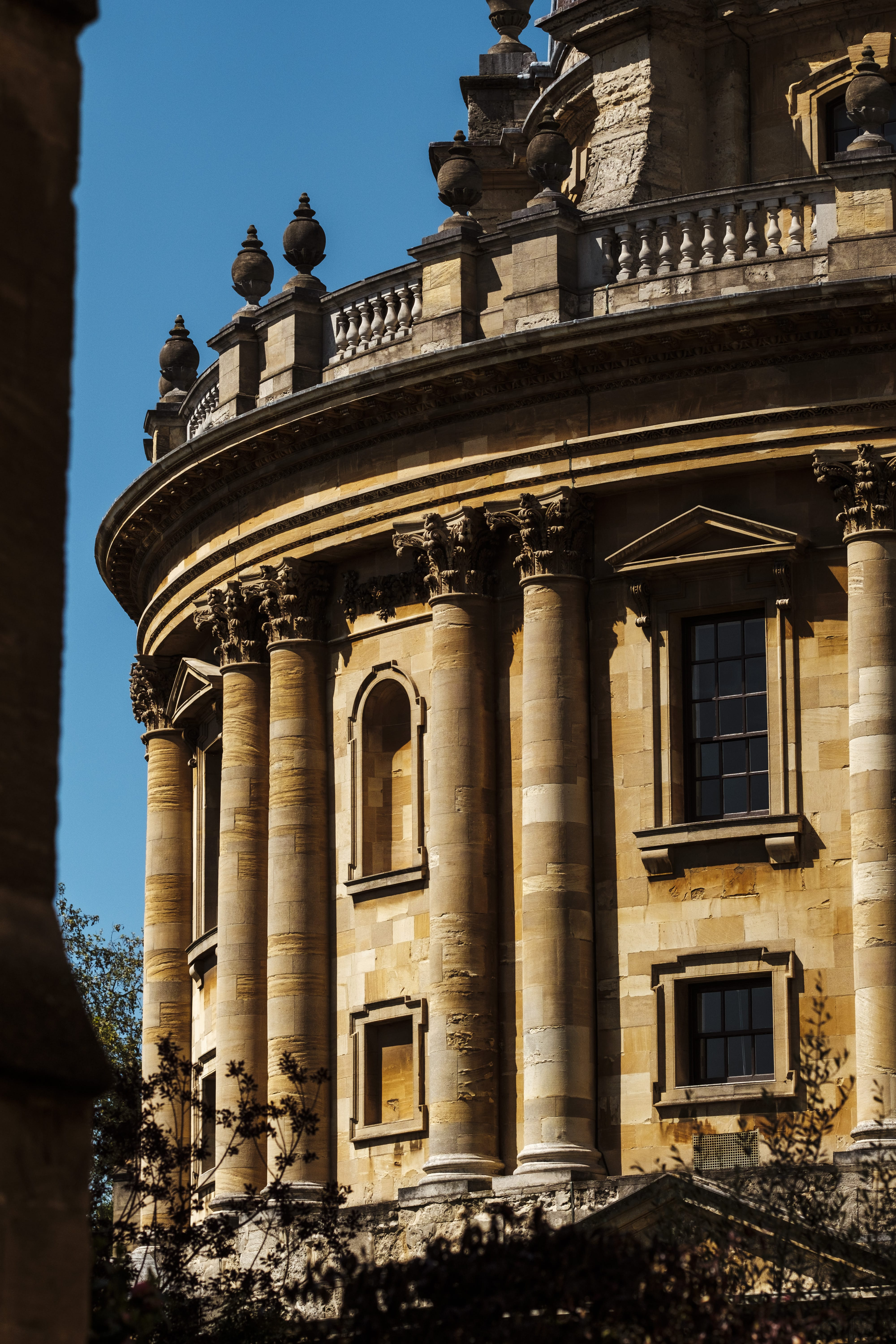 Oxford Radcliffe Camera with blue sky